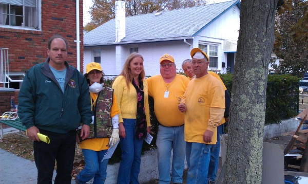 Delia in Bayville thanking volunteer relief workers. Mayor Doug Watson is on the left.